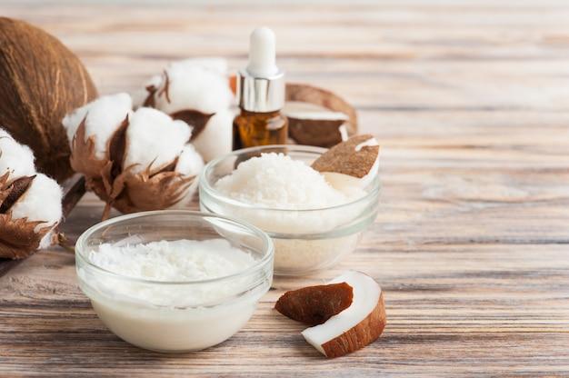 Natürliche haarbehandlung mit kokosnuss