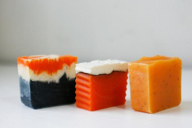 Natürliche handgemachte orange seife