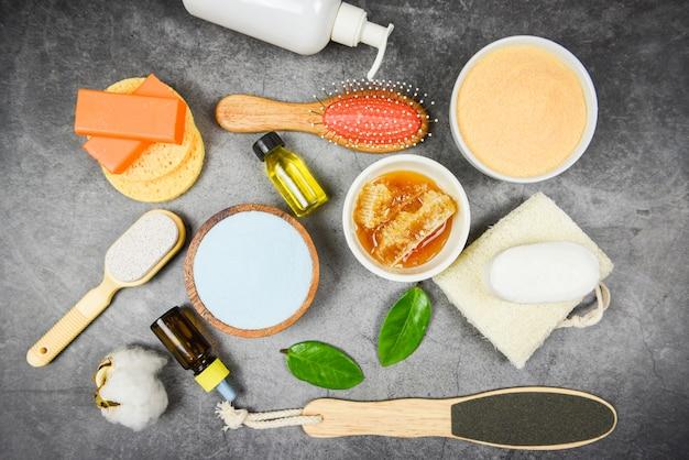 Natürliche körperpflege kräuterdermatologie kosmetische hygienecreme für die schönheitspflege körperpflege peeling-objekte - natürliche badezusätze honigseife kräuter ätherisches öl spa aromatherapie lotion