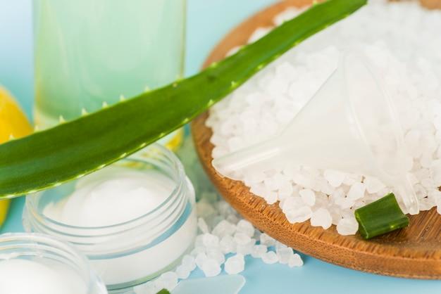 Natürliche pflanzliche hautpflegeprodukte und inhaltsstoffe
