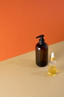 Natürliche schönheitsprodukte mineral bio-öl öko-kosmetikcreme serum hautpflege leere flasche tropferglas
