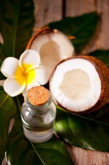 Natürliches kokosnuss-walnussöl