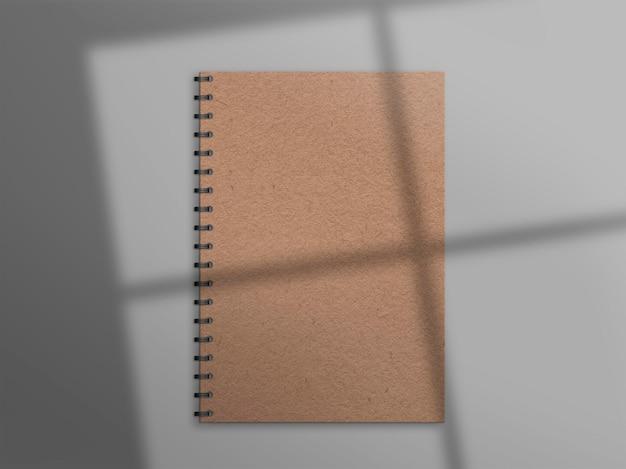 Natürliches notizbuch mit schatten