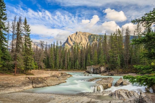 Natural bridge mit mount stephen yoho national park bc kanada