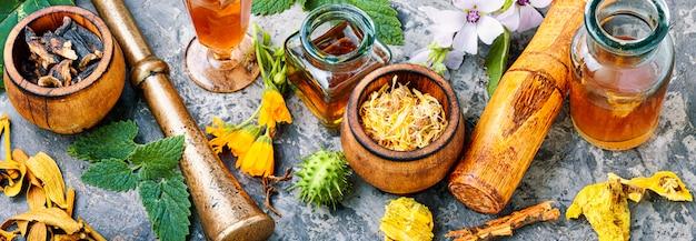Naturheilkundliche kräutermedizin