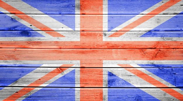 Naturholzplanken textur hintergrund mit den farben der flagge großbritanniens