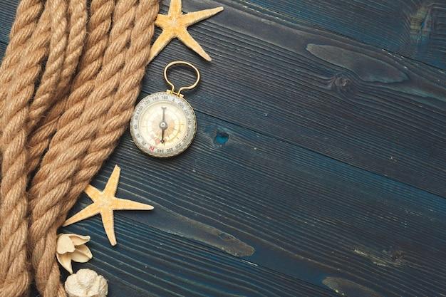 Nautisch. segelseil mit kompass