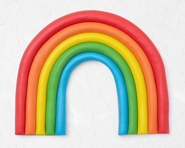 Nette bunte bastelgrafik des regenbogens aus trockenem ton für kinder