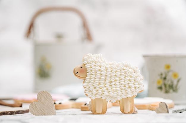 Nette handgemachte plätzchen in einer form von tieren
