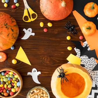 Nettes halloween-konzept mit kopierraum