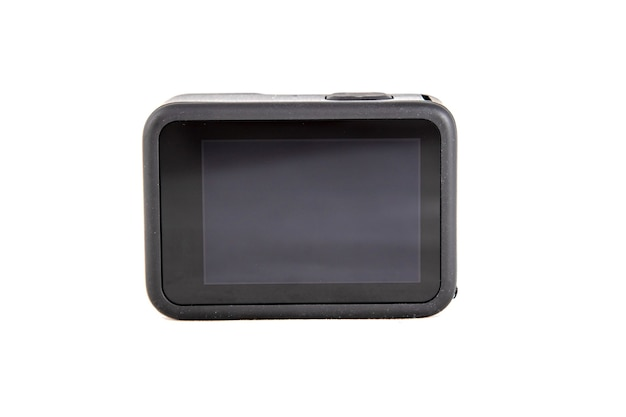 Neue 4k-action-kamera in schwarzer farbe. isolierter weißer hintergrund. rücksensor-bildschirm