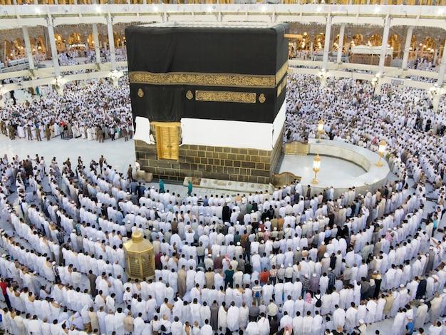 Neue bilder von kaaba in mekka nach der restaurierung