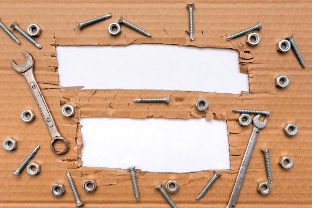 Neue brillante ideen denken, kreativitätsinspiration erneuern, neue gelegenheiten, arbeitsplatzdesigns, arbeitsumgebung, brainstorming-pläne, bürosammlungen stiftpapier