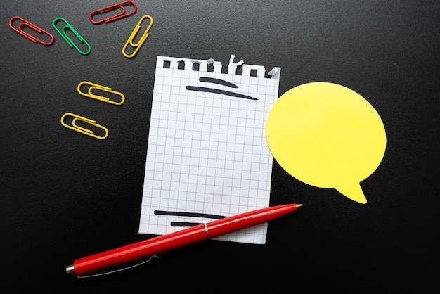 Neue helle ideen denken, kreativität erneuern inspiration, neue gelegenheiten