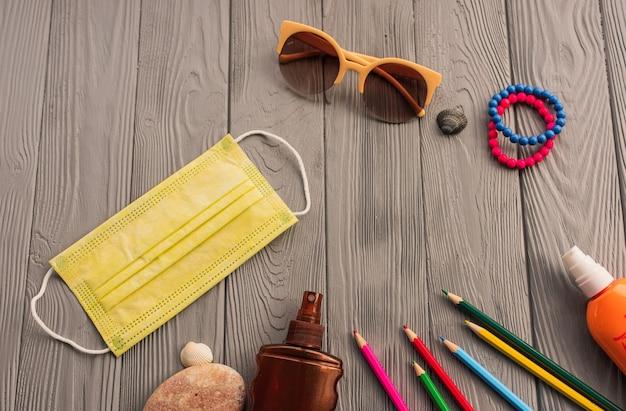 Neue normale covid-19 gesichtsmaske sonnenschutz sonnenbrille zubehör sonnenschutzspray lotion tan