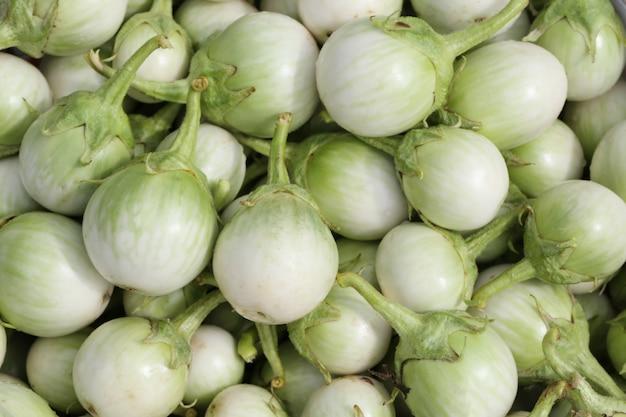 Neuer auberginenhintergrund der thailändischen gewürze.