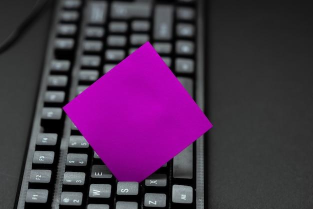Neues pädagogisches lehrbuch eingeben, abstrakte alte aufsätze online erneut eingeben, internet-chat-browsing-aktivitäten, menschen weltweit verbinden, neue dinge lernen
