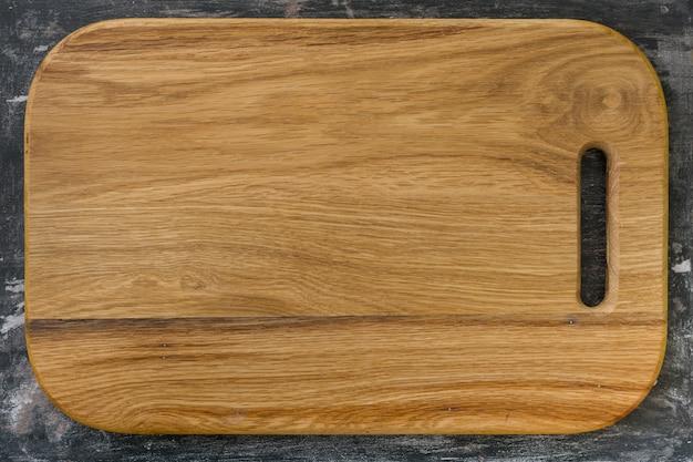 Neues schneidebrett aus eichenholz