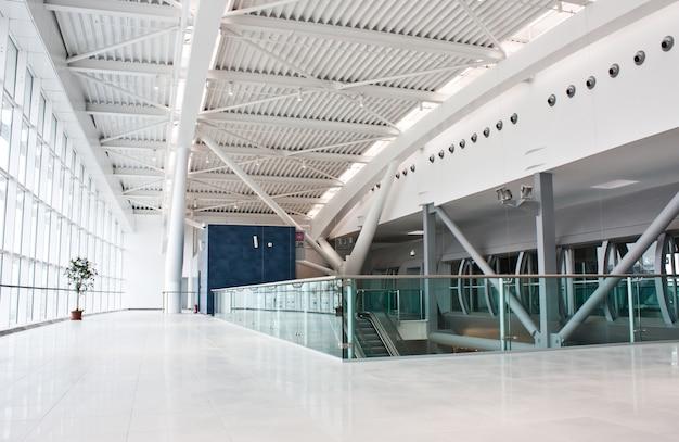 Neues zweites terminal für 60 millionen euro (84 millionen us-dollar) am hauptflughafen der hauptstadt