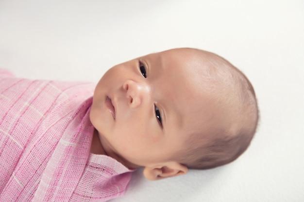 Neugeborenes baby, zwei wochen alt