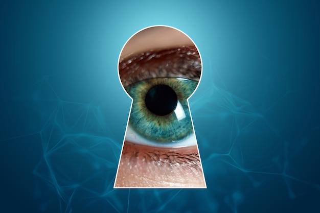 Neugierig lugt eine frau durch das schlüsselloch. misstrauen gegenüber anderen, spioniert andere aus.