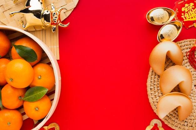 Neujahr chinesische 2021 teller mit essen