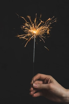 Neujahrs-konzept mit wunderkerze