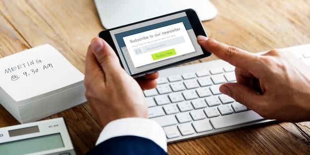 Newsletter abonnieren werbung registrieren mitgliedskonzept