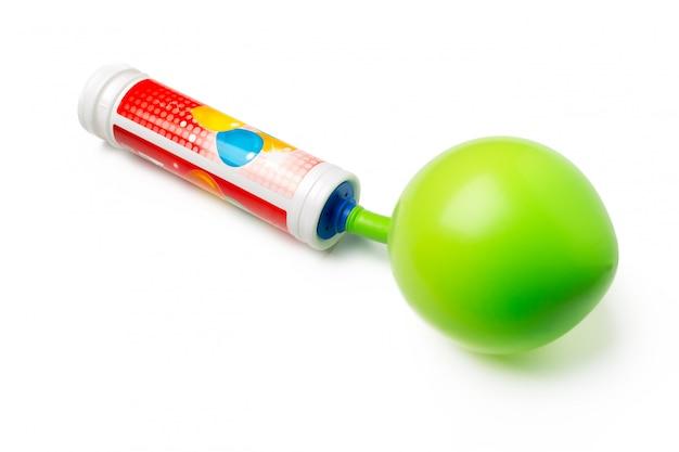 Nicht aufgeblasener ballon getrennt