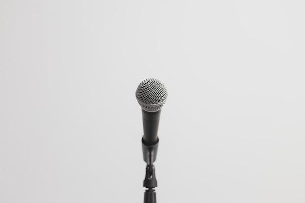Niedrige ansicht eines mikrofons