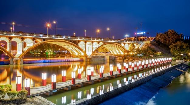 Nightscape alter stadt qingzhou, shandong-provinz, china