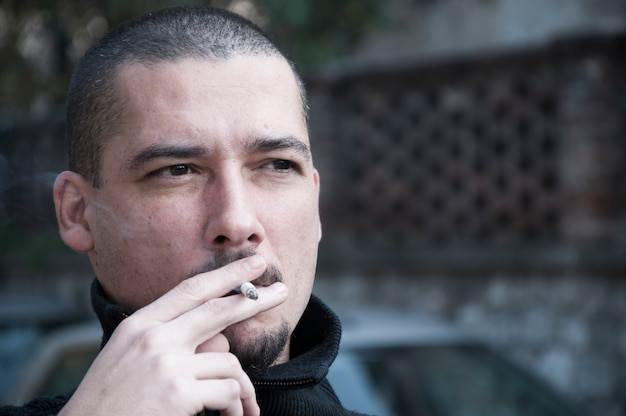 Nikotinsüchtig