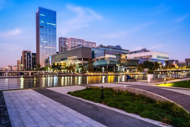 Ningbo-stadt-modernes architekturstadtbild