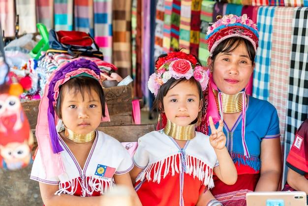 Nordthailand-stammdörfer oder karen long neck village in thailand
