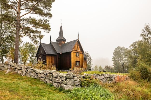 Nore stabkirche historische holzkirche in nore, norwegen