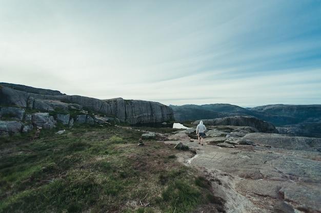 Norwegen ist ein land der landschaften und der natur