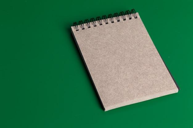 Notebook auf grün