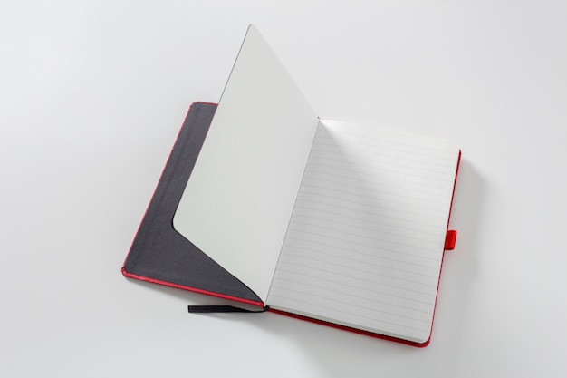 Notebook auf weiß