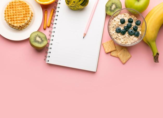 Notizblock zur essensplanung und speisensortiment