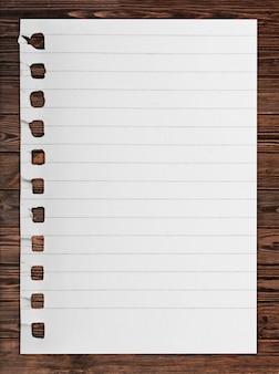 Notizbuch auf papierseite