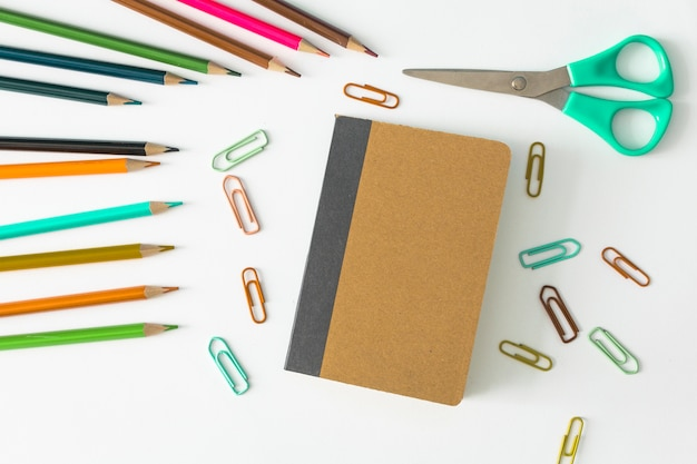 Notizbuch mit schulpaketen