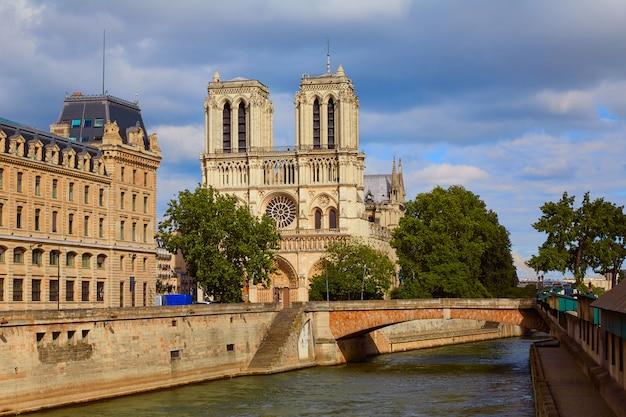Notre dame-kathedrale in paris frankreich