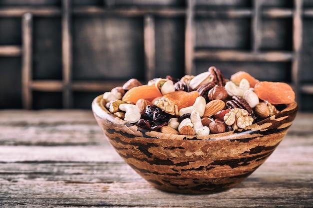 Nüsse und trockenfrüchtemischung.