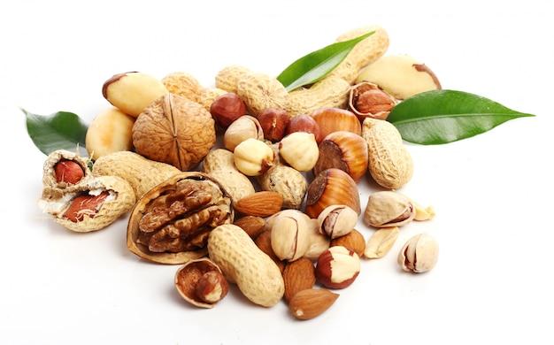 Nüsse, walnüsse, erdnüsse und mandelsamen