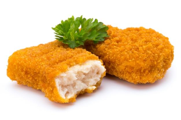 Nugget chiken auf dem weißen hintergrund.
