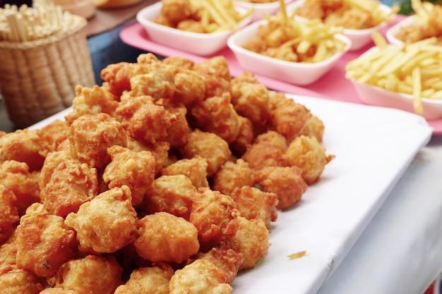 Nuggets beim straßenessen