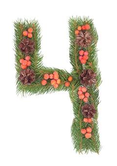 Nummer 4 aus weihnachtstanne isoliert