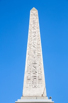 Obelisk-denkmal paris