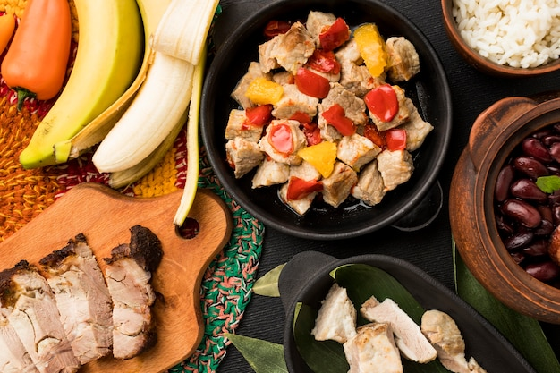 Oben ansicht brasilianisches nahrungsmittelsortiment