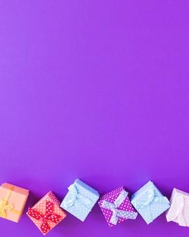 Oben ansicht geschenkboxen rahmen mit kopierraum